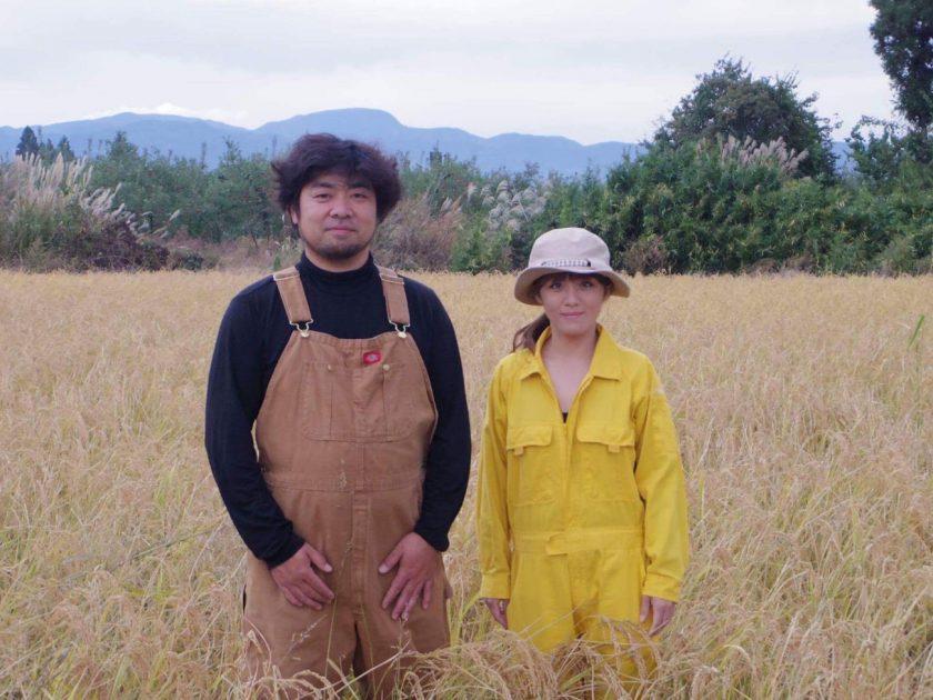 ストレスから逃れて脱サラ就農した美女と野獣の夫婦は、福島市最大の米農家に。地域を守るため、1万平米の田んぼを開墾する。